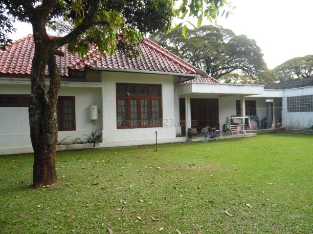 Rumah belanda terawat riau bandung, Riau, Bandung