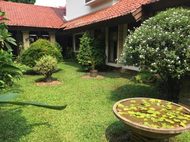 Rumah Asri bergaya Jawa Halaman Luas Lokasi Tenang di Cilandak, Cilandak, Jakarta Selatan