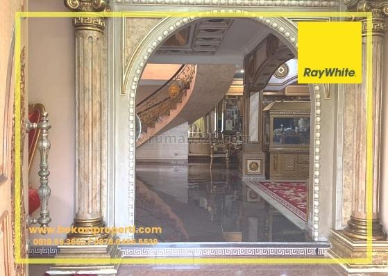 Rumah Mewah Dijual Cepat di Grandwisata, Grand Wisata, Bekasi