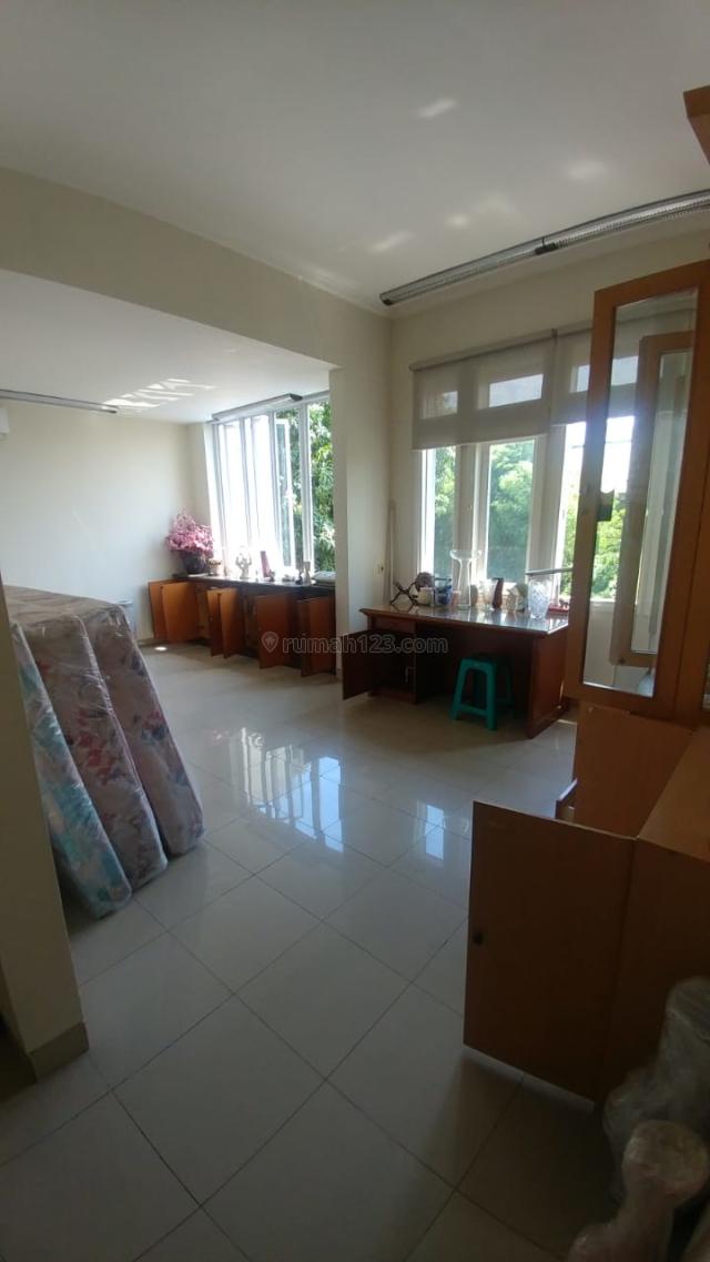 (Size 220 m2/4+1 BR/Jalan Besar) Rumah Elit Gading Kusuma, Kelapa Gading, Jakarta Utara