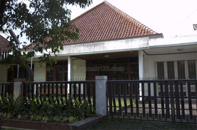 Rumah sayap riau dekat gedung sate untuk tinggal / kantor, Riau, Bandung