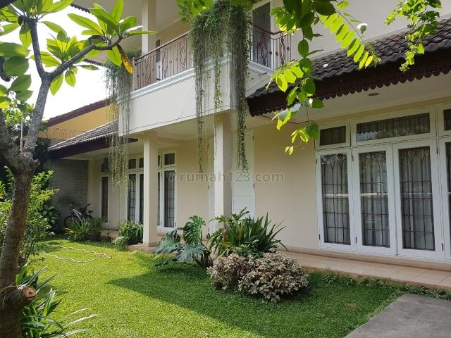 Rumah bagus dengan Kolam Renang @Cinere (YU), Cinere, Depok