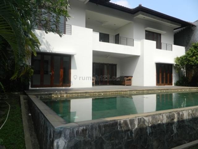 Beautiful House in Cilandak Near to MRT Cipete Station, Cilandak, Jakarta Selatan