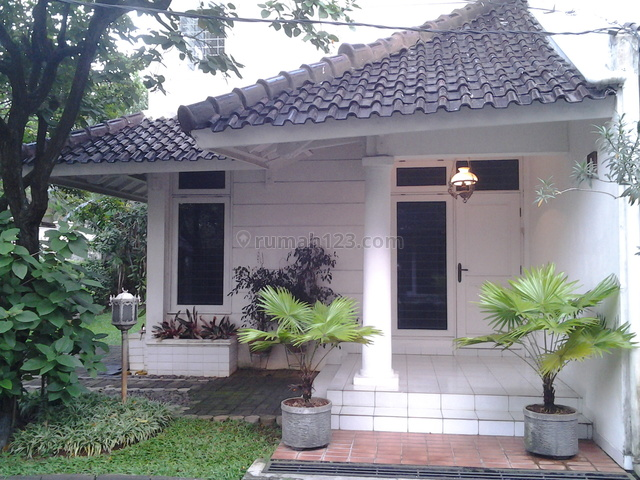 Nice House In A Town House,fully Furnished,very Close To Ais, Kemang, Jakarta Selatan