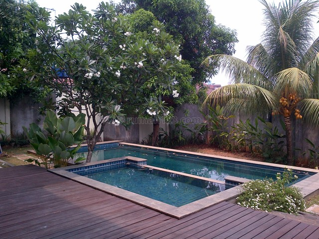 Big House In A Town House,lux In A Very Quiet Neighborhood, Kemang, Jakarta Selatan