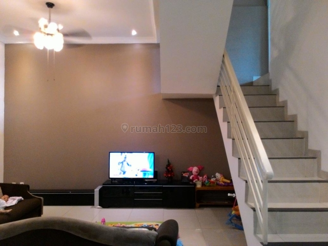 TERMURAH! rumah metro permata semi furnished , ukuran 8x18 , lb 240 , lt 144 , shm , hadap utara , harga 2.9m nego sampai deal, Metro permata, Jakarta Barat