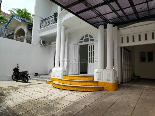 Rumah 2Lantai Siap Huni Hadap Selatan, Bukit Sari, Semarang