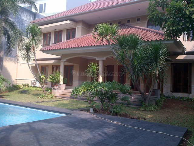 Nice And Beautiful House,big Pool And Garden,best Location, Kemang, Jakarta Selatan