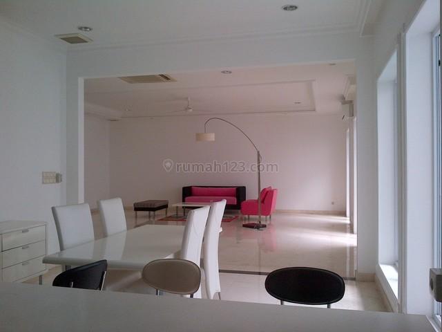Nice House,very Quiet,comfortable,strategic Location, Pondok Indah, Jakarta Selatan