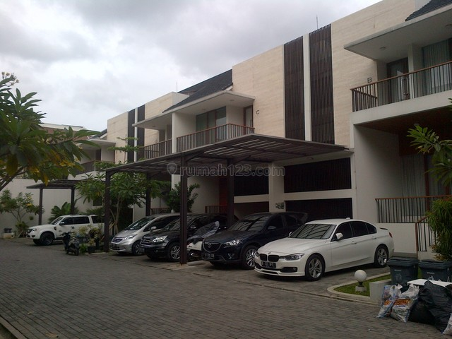 Brand New,in A Town House,fully Furnished,close To Mcd, Kemang, Jakarta Selatan