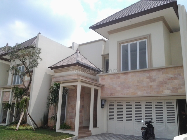 Brand New In A Town House,modern,close To Ais And Penvil, Kemang, Jakarta Selatan