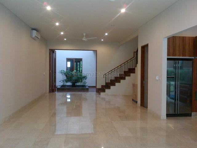 Brand New,modern Style,comfortable,strategic Location, Kemang, Jakarta Selatan