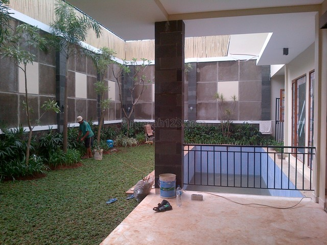 Brand New In A Town House,modern Style,close To Ais, Kemang, Jakarta Selatan