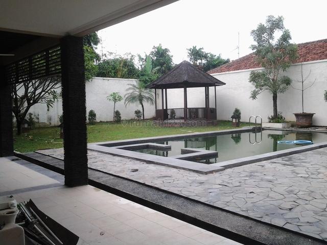 Beautiful House,quiet,comfortable,close To Ais, Kemang, Jakarta Selatan
