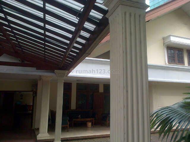 The House In The Commercial Area,the Front Terminal Blokm, Kebayoran Baru, Jakarta Selatan