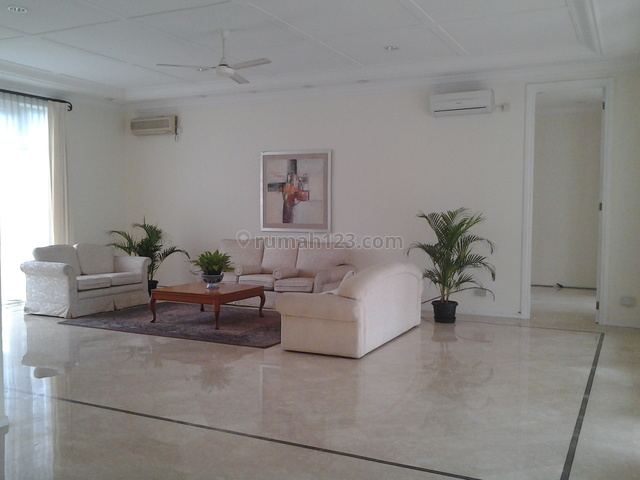 Bright,beautiful House In The Best & Prestigious Location, Kemang, Jakarta Selatan