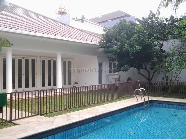Big House,lux,big Garden & Pool,close To Nis & Ranch Market, Kemang, Jakarta Selatan