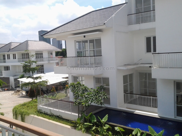 Brand New In A Town House,quiet,close To Jis And Citos, Cilandak, Jakarta Selatan