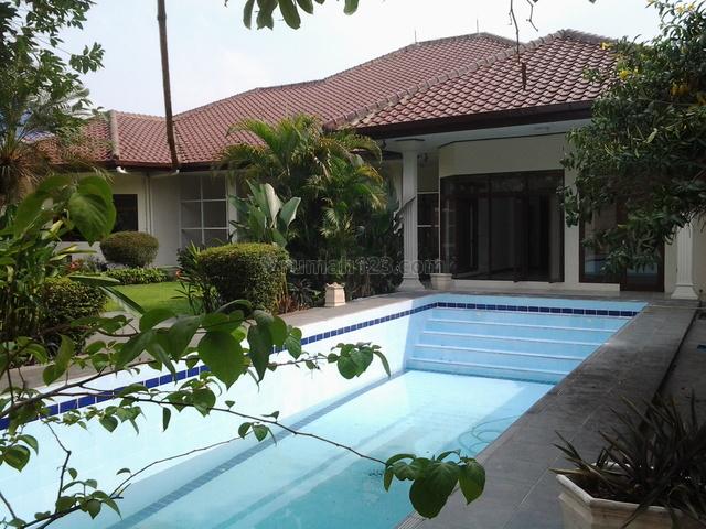 Big House In A Town House,quiet,close To Ais, Strategic, Pejaten, Jakarta Selatan