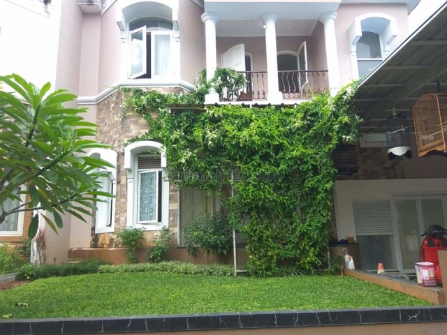 Rumah Mewah Penuh Fasilitas di Telaga Golf Sawangan Depok, Sawangan, Depok