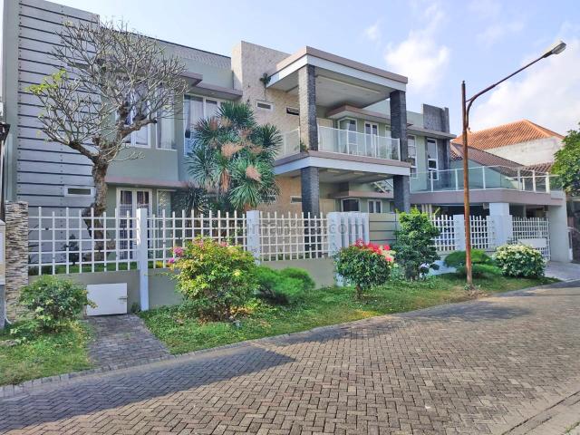 Rumah mewah di lokasi elit Telaga Golf Araya, Araya, Malang