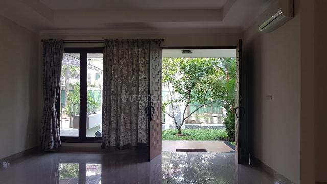 Rumah Sudut, Pondok Indah, Jakarta Selatan