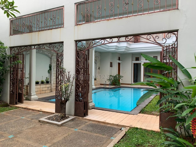 Nice and Beatiful House at Pondok Indah, 5 BR and Nice Swimming Pool, Pondok Indah, Jakarta Selatan