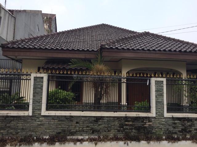 Rumah 1 lantai, di Gandaria, Cocok untuk Rumah/ Kantor., Gandaria, Jakarta Selatan