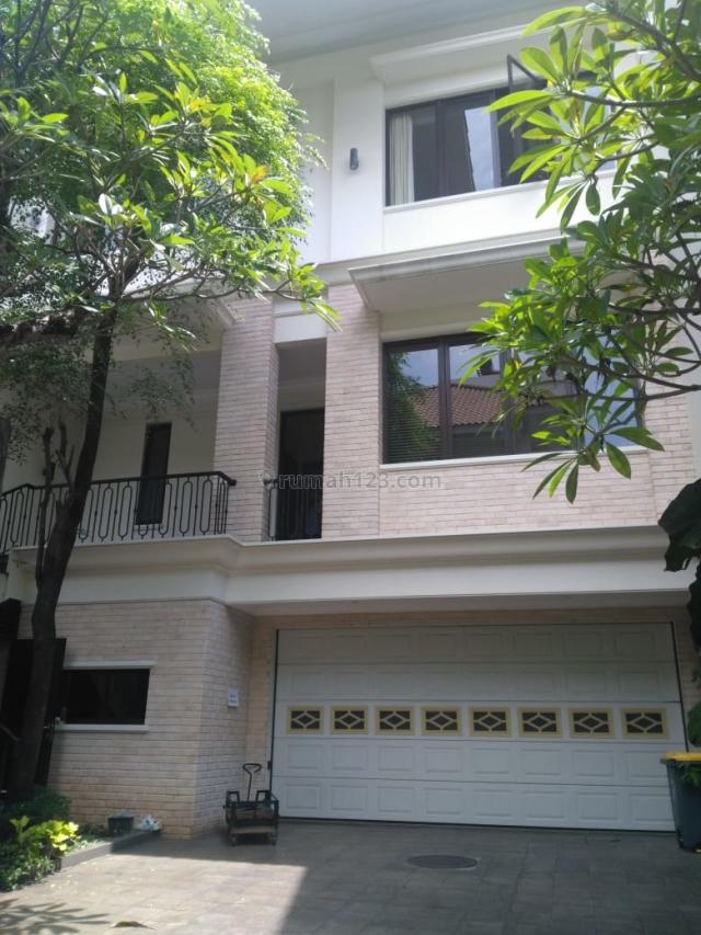 Nice House at Compound with Good Facilities, Bangka, Jakarta Selatan