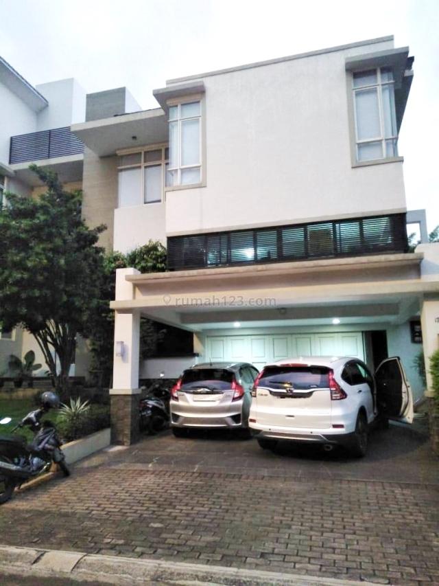 rumah mewah cantik bangunan mandiri di telaga golf BSD City, lokasi strategis dekat danau dan sport club, BSD Telaga Golf, Tangerang
