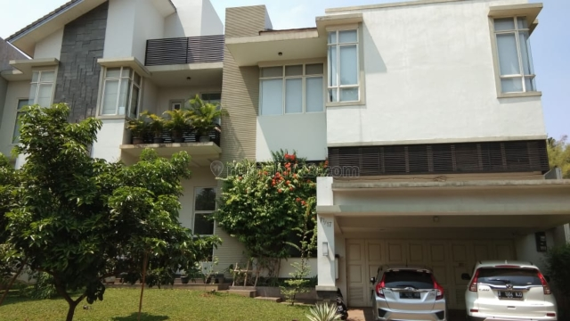 Rumah mewah kawasan super nyaman dan hijau, BSD Telaga Golf, Tangerang