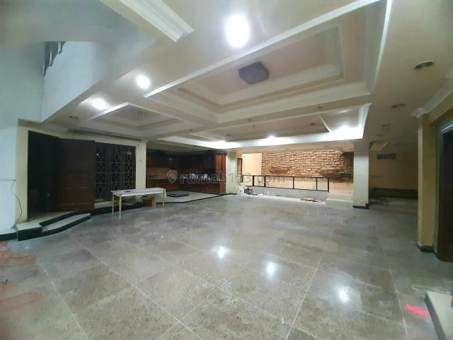Rumah 2 Lantai Hadap Jalan Raya Taman Ratu - Green Ville Cocok Untuk Usaha, Taman Ratu, Jakarta Barat