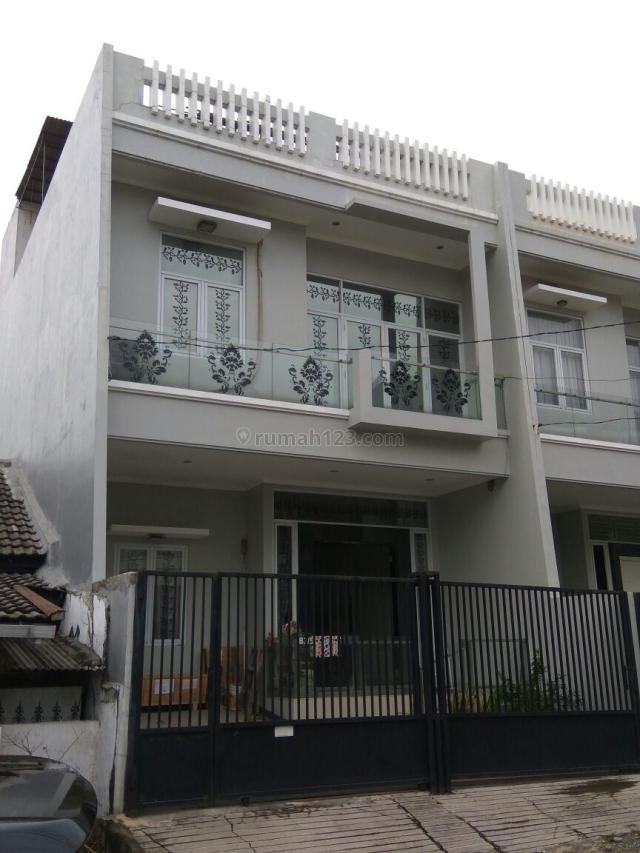 HARGA HEBOH JALAN SUNGGUH LEBAR RUMAH SUNTER AGUNG, UKU 7X14, 2 1/2 LT, LOKASI STRATEGIS, HADAP UTARA, RAPI, BAGUS, HARGA BAGUS, MASIH NEGO., Sunter, Jakarta Utara