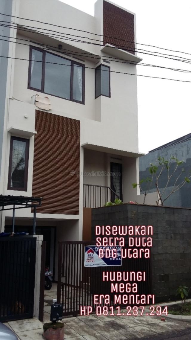Rumah Minimalis di kompleks Elite, Setra Duta, Bandung