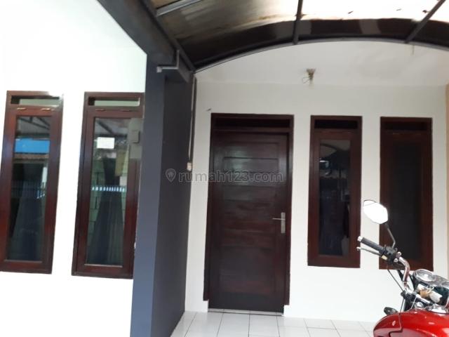Rumah Cantik di TKI 1 dgn Kitchen Set: 27,5jt/thn, Taman Kopo Indah, Bandung