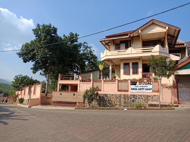 Rumah hunian dengan suasana villa, Cileunyi, Bandung
