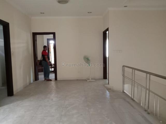 R1298 rumah di Intercon Kebon Jeruk, luas 200m, 2lt, 4KT 2KM,Rp100jt/th, Kebon Jeruk, Jakarta Barat