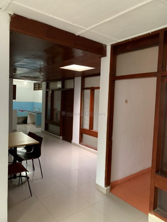 Rumah siap huni cocok untuk kantor, Coblong, Bandung