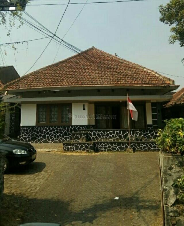 Rumah Belanda Vintage 1lantai akses jalan lebar pusat kota,Sayap Lengkong Bandung, Lengkong, Bandung