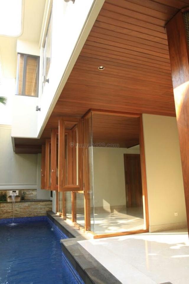 Rumah Mewah di Senopati, Kebayoran Baru 4LT 316m Fully Interior with Pool Rp 42M, SCBD, Jakarta Selatan