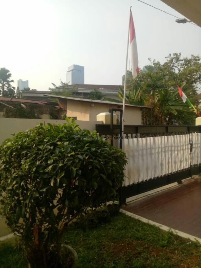 Rumah stretegis  kapten tendean jakarta selatan, Kapten Tendean, Jakarta Selatan