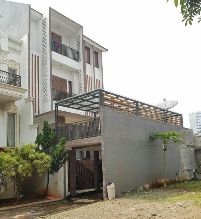 RUMAH DI GATOT SUBROTO RESIDENCE ~ LT/LB 277/550 ~ BAGUS, Gatot Subroto, Jakarta Selatan