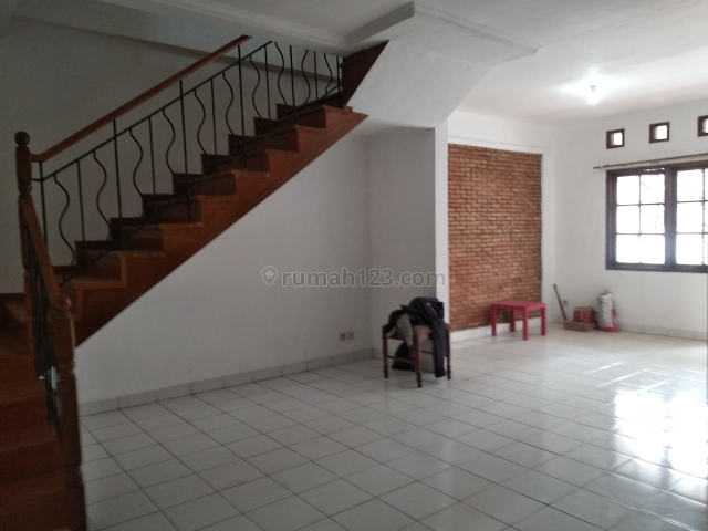 Rumah minimalis dibelakang gedung bidakara, Pancoran, Jakarta Selatan