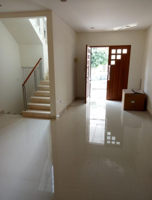 rumah PIK full renovasi , harga murah siap huni, Pantai Indah Kapuk, Jakarta Utara