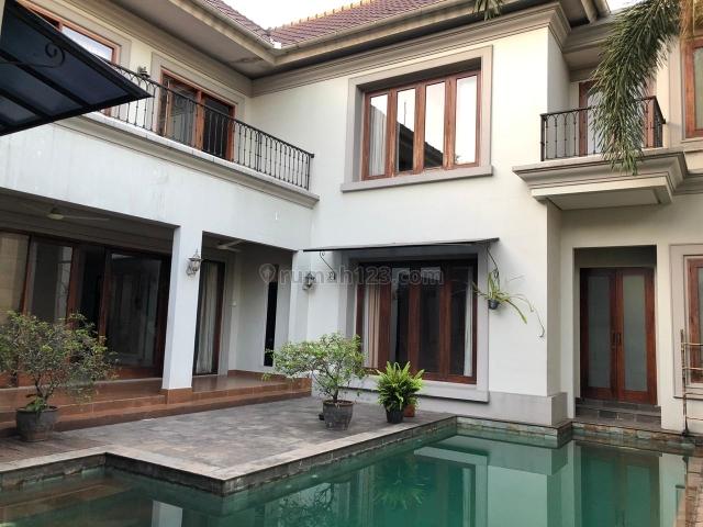 NICE HOUSE IN KEMANG DALAM, Kemang, Jakarta Selatan