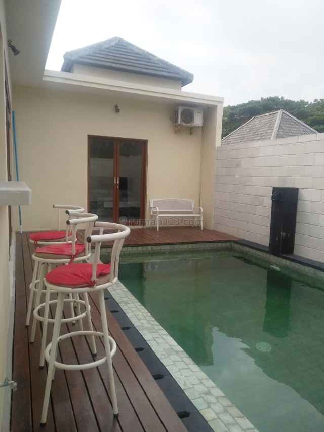 Monthly Two Bedrooms Villa Near Dreamland Beach, Pecatu, Badung