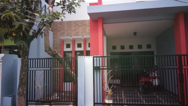 Rumah murah terawat strategis di perumahan purigading deket tol Jatiwarna Bekasi, Jatimelati, Bekasi