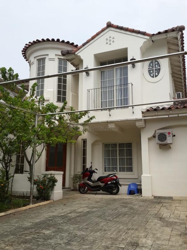 Rumah 2 Lantai di Taman Beverly Golf, Bekasi Kota, Bekasi