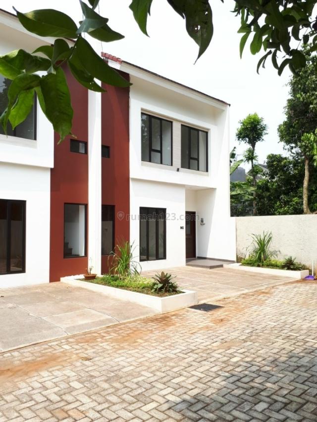 Town house ready stock 2 lantai minimalis modern terdekat dan terdepan dengan pintu toll jatiasih dengan akses 2 mobil, Jati Asih, Bekasi
