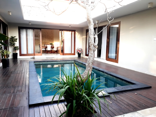 villa / Villa with modern design/architecture combined with a natural and calm atmosphere., Nusa Dua, Badung
